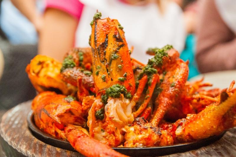 Des plats de poissons immenses à la cébicheria