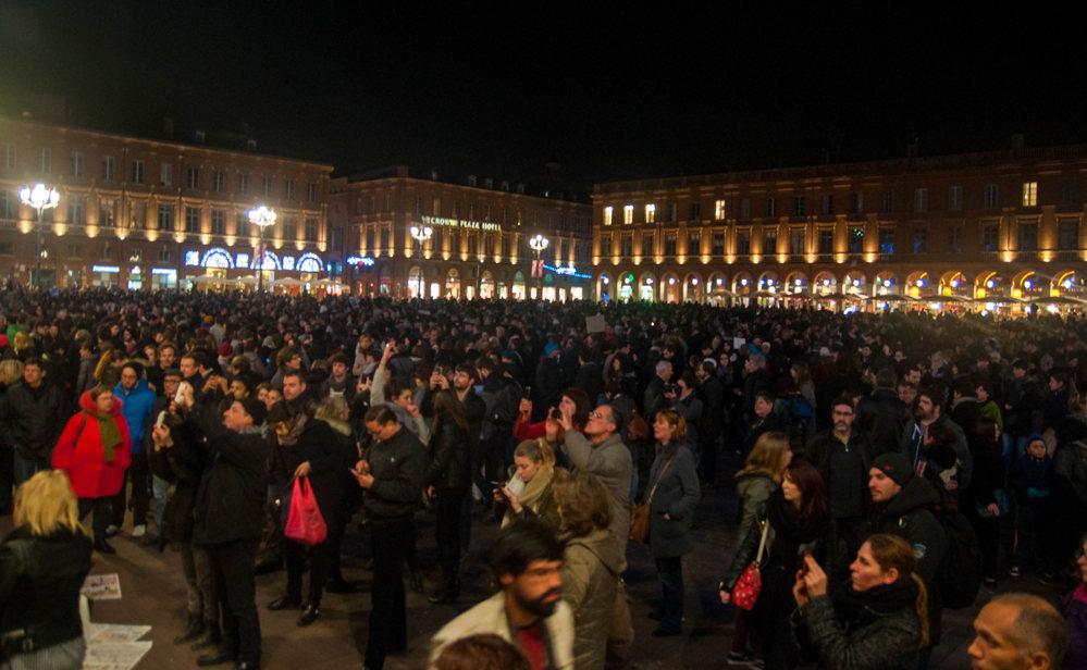 Rassemblement à Toulouse en l'hommage de Charlie Hebdo