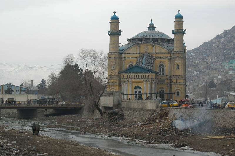 Quelques édifices se maintiennent à Kaboul