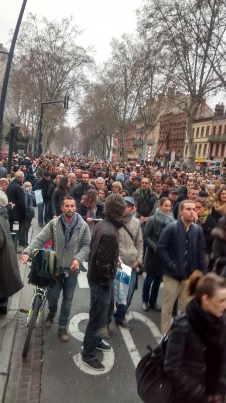 Du monde dans les rues de Toulouse pour soutenir Charlie