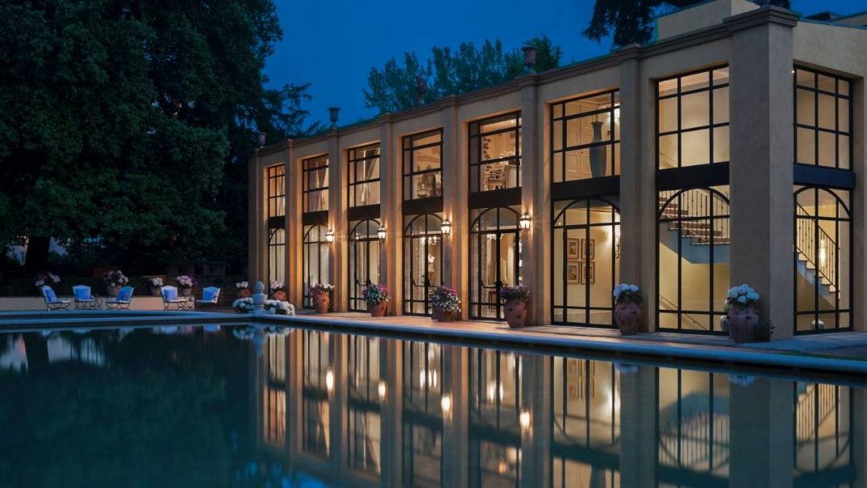 Vue lumineuse sur les locaux de Le Four Seasons Hôtel Firenze à Florence