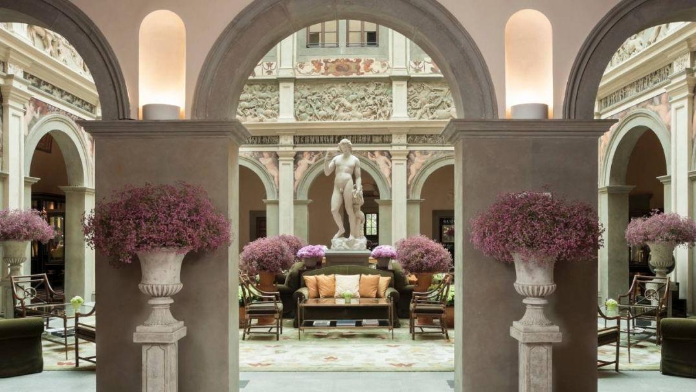 Statue et art au Four Seasons Hôtel à Florence