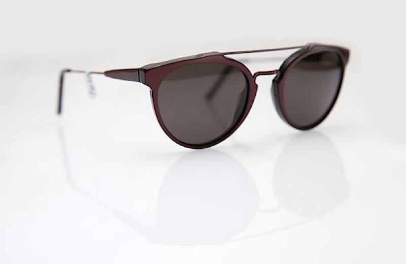 Une paire de lunettes de soleil chez Louis le Lunetier