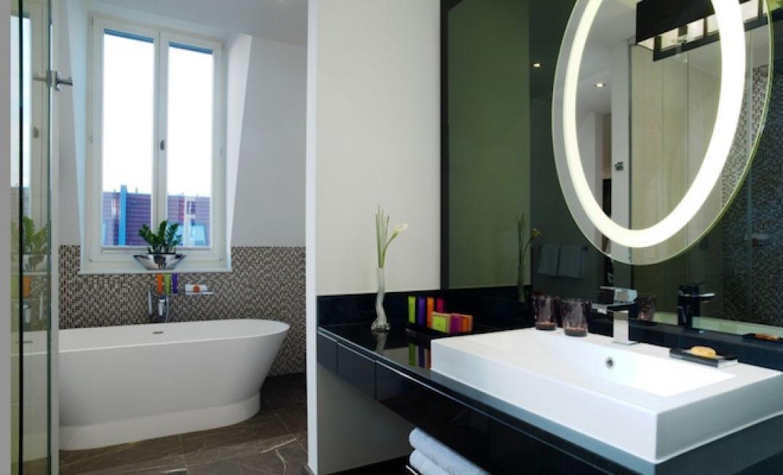 La salle de bain du Am Steinplatz hotel à Berlin
