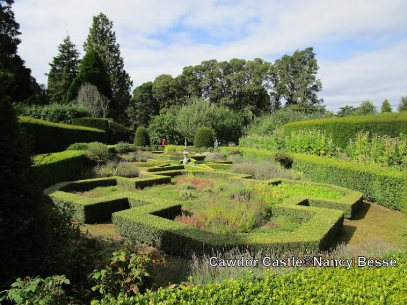 Le jardin botanique du Cawdor Castle en Écosse