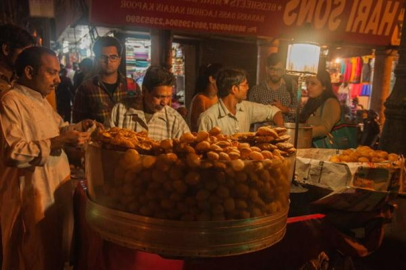 Dans Old Delhi en Inde, street-food
