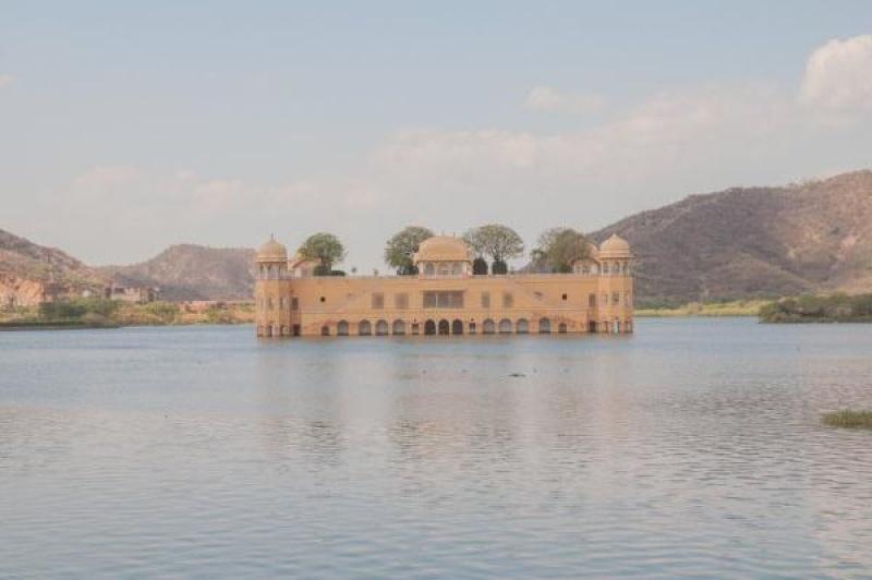 Vue sur le Lake Palace à Jaïpur