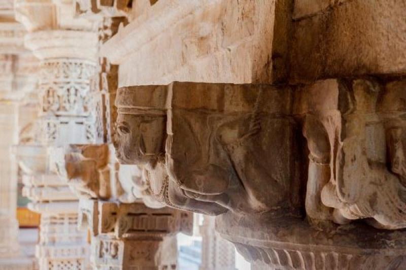 Les sculptures dans la pierre !