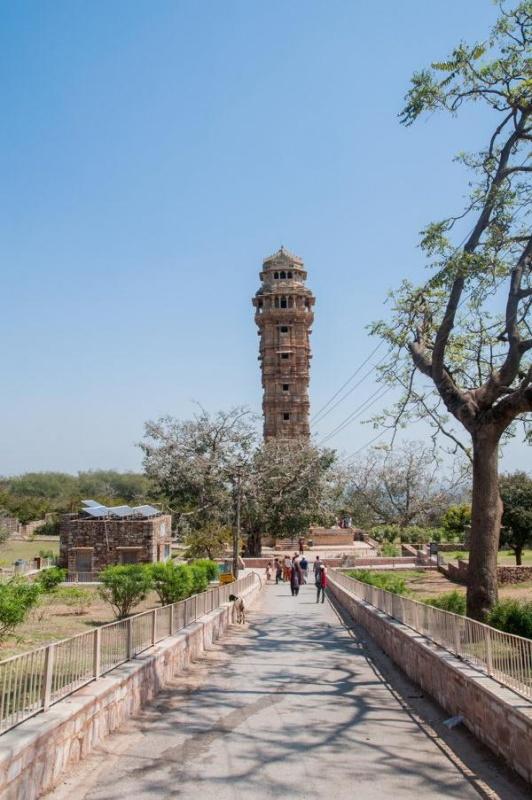 La tour de 9 étages à grimper à Chittorgarh en Inde