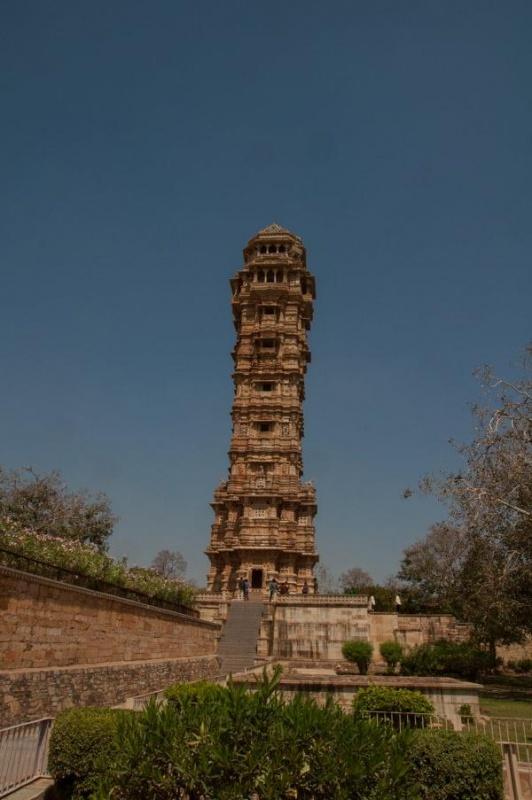 La tour aux 9 étages à grimper