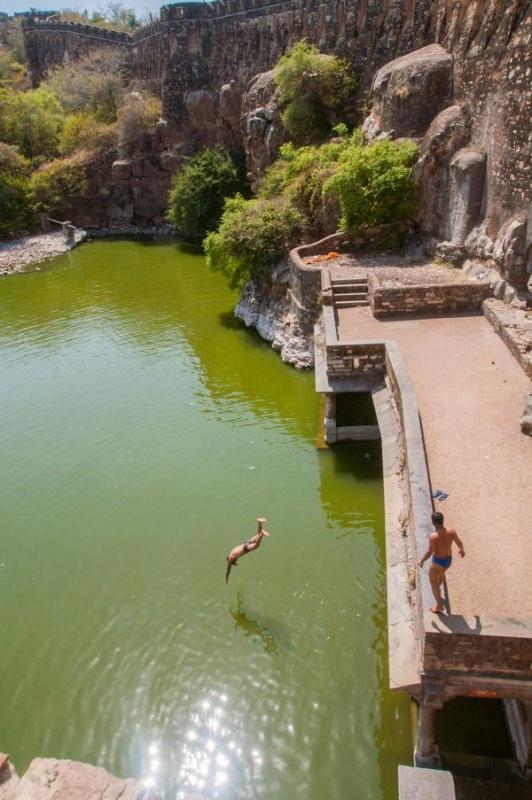 Une piscine dans le fort de Chittorgarh