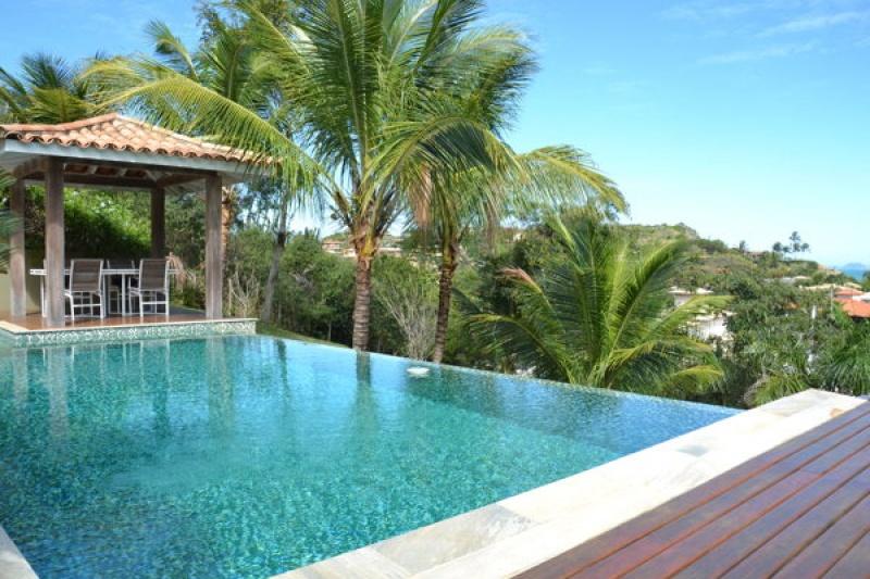 La belle piscine à Rio de Janeiro