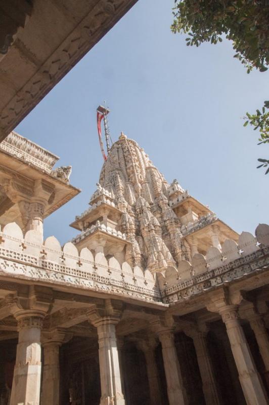 Beauté fascinante ce temple de Ranakpur en Inde