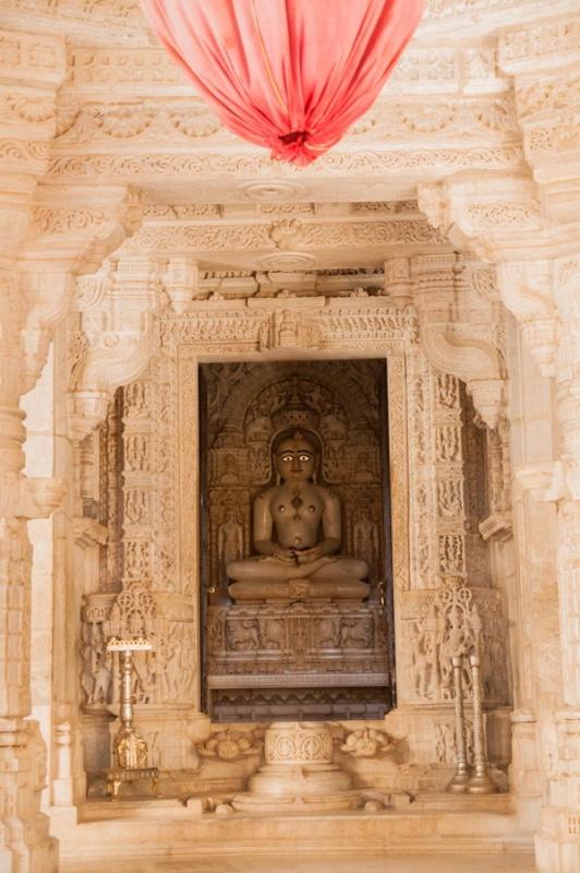 Un bouddha sacré à Ranakpur en Inde
