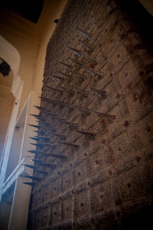 Les piques de défense du fort de Jodhpur en Inde