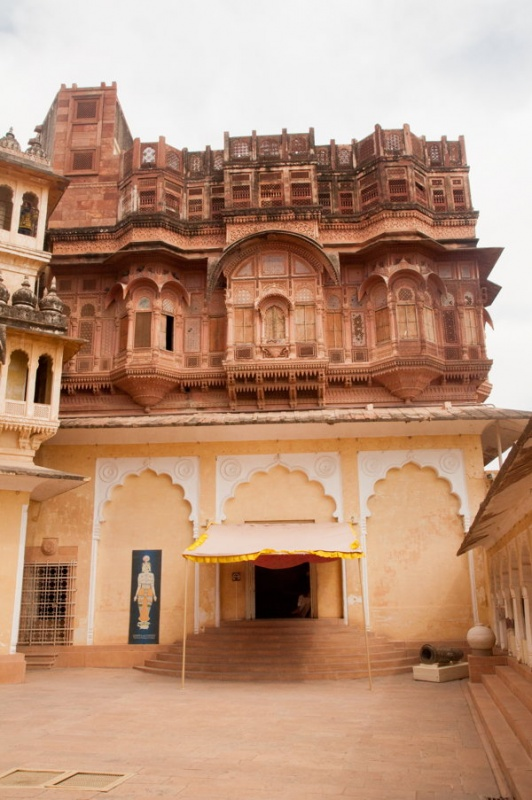 Entrer dans le fort de Jodhpur en Inde