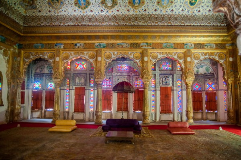 La salle des maharadjas au fort de Jodhpur en Inde