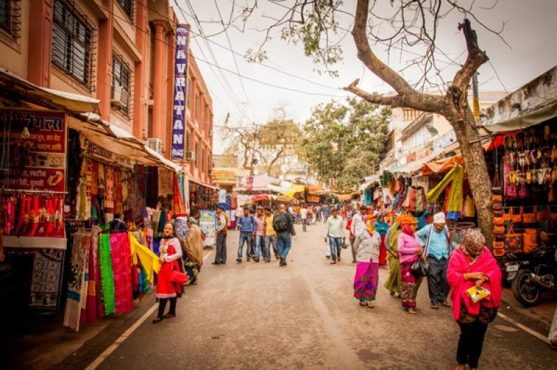 Les rues commerçantes de Pushkar en Inde