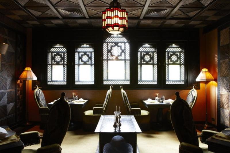 Dans un restaurant de la Mamounia à Marrakech