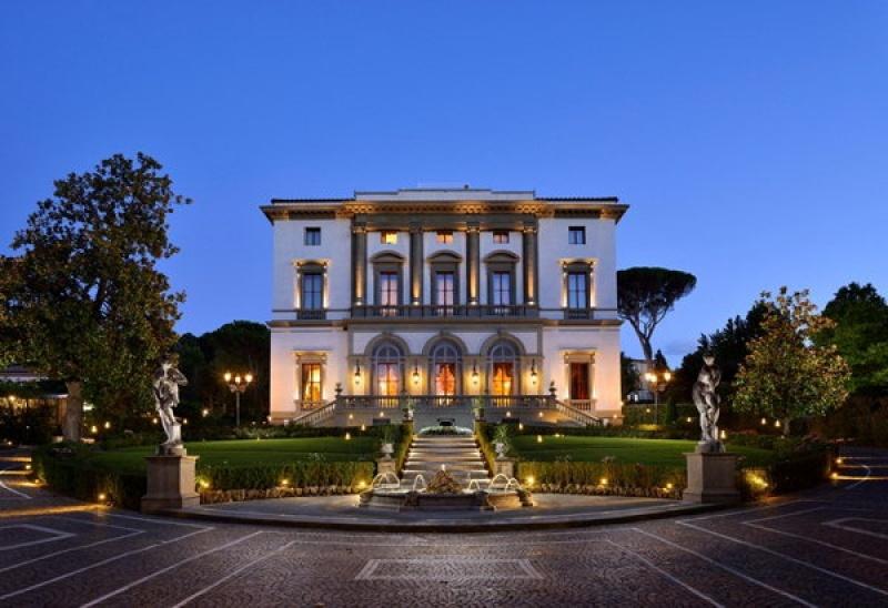 Admirer la villa Cora à Florence
