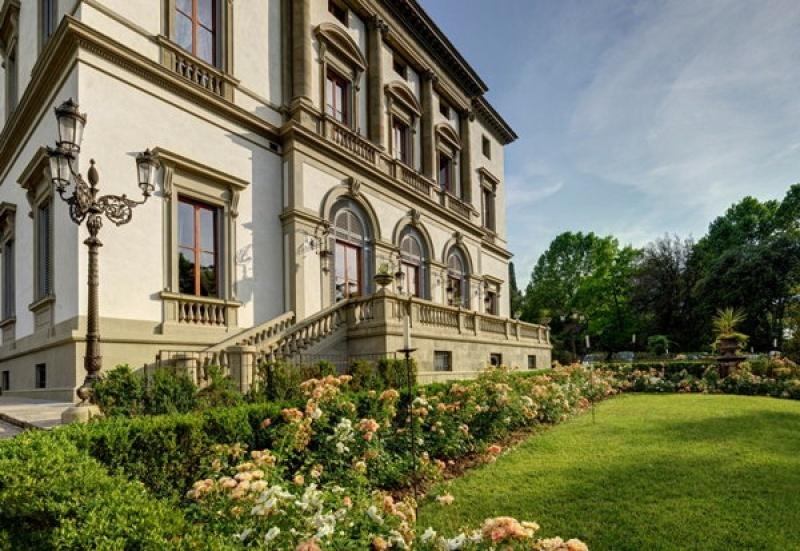 Dans les jardins botaniques de la Villa Cora à Florence