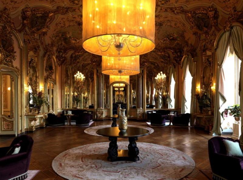 Intérieur sublime à la villa Cora à Florence