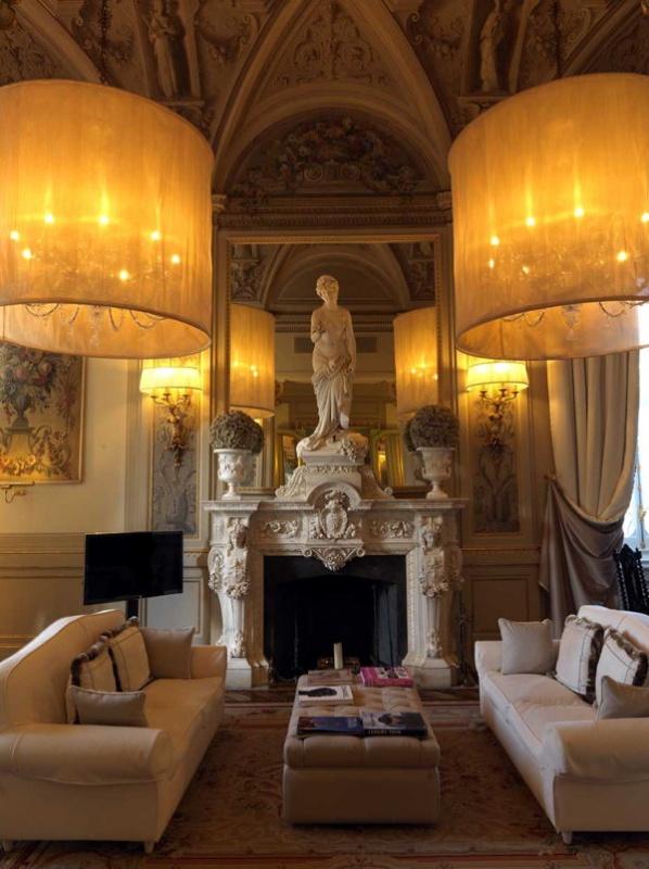 Les espaces communs de la villa Cora à Florence