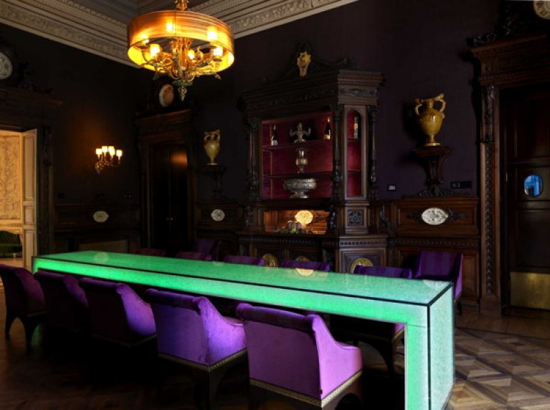 Le bar lounge à la villa Cora à Florence