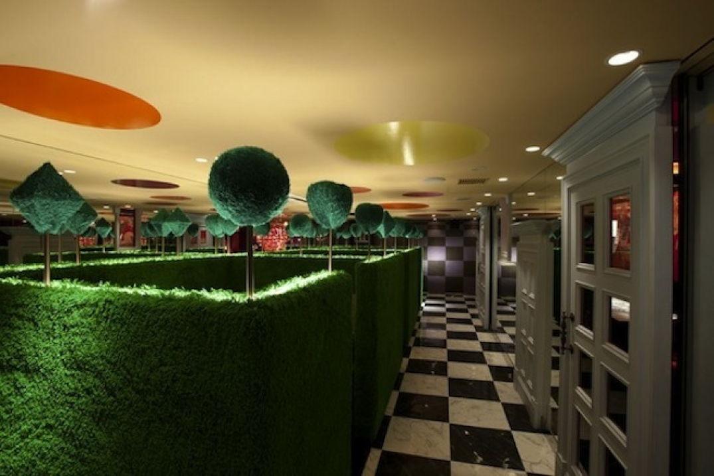 Le bar Alice au pays des merveilles à Tokyo à découvrir 02