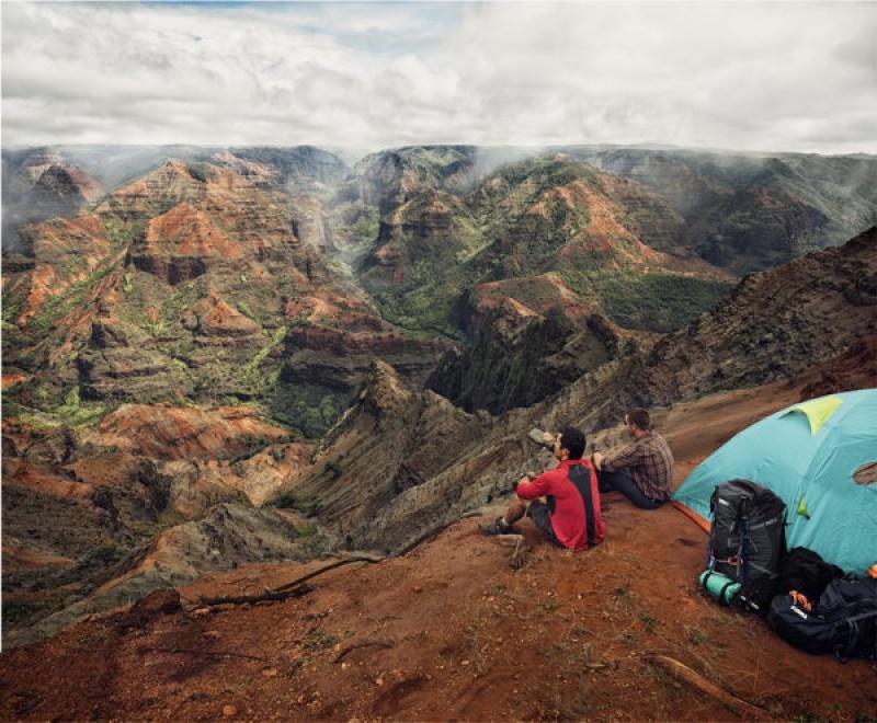 Admirer les paysages avec le sac à dos Thule GuidePost