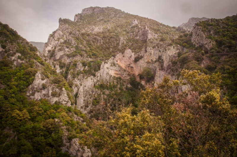 Paysage escarpé dans les Gorges de Galamus