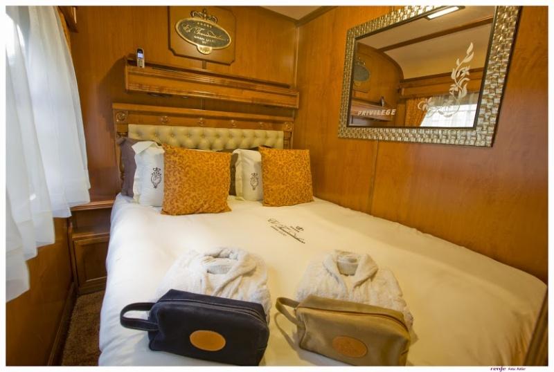Dans la chambre du train de luxe en Espagne