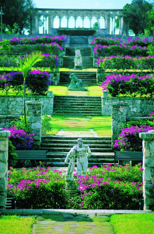 Dans les jardins botaniques du one & only club aux Bahamas