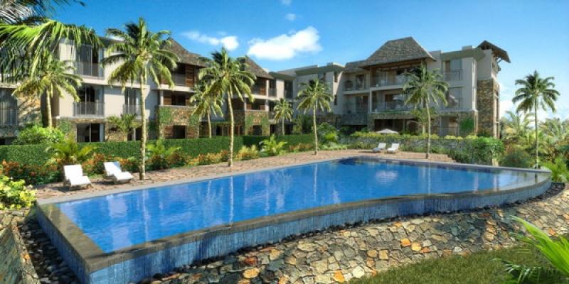 De belles piscines face à la mer à Azuri sur l'île Maurice