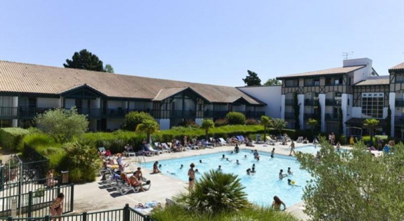 La belle piscine du Centre Pierre et Vacances