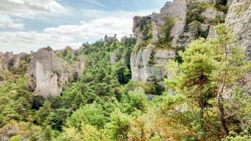 """Les rochers à Montpellier le Vieux, le """"Bryce Canyon"""" à la française"""
