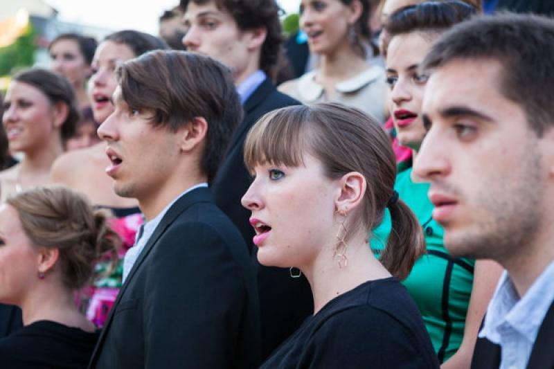 Un chœur complet dans le gouffre de Padirac