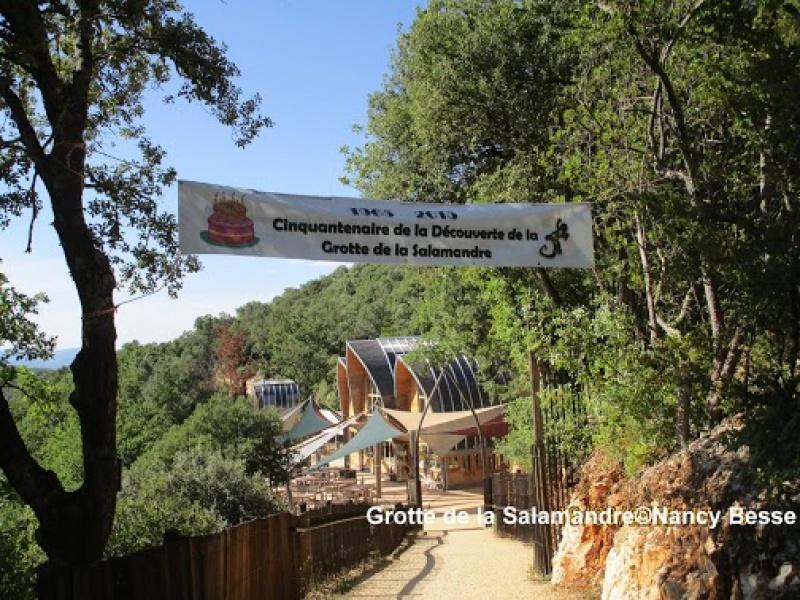 Balade pour accéder à la grotte de la Salamandre