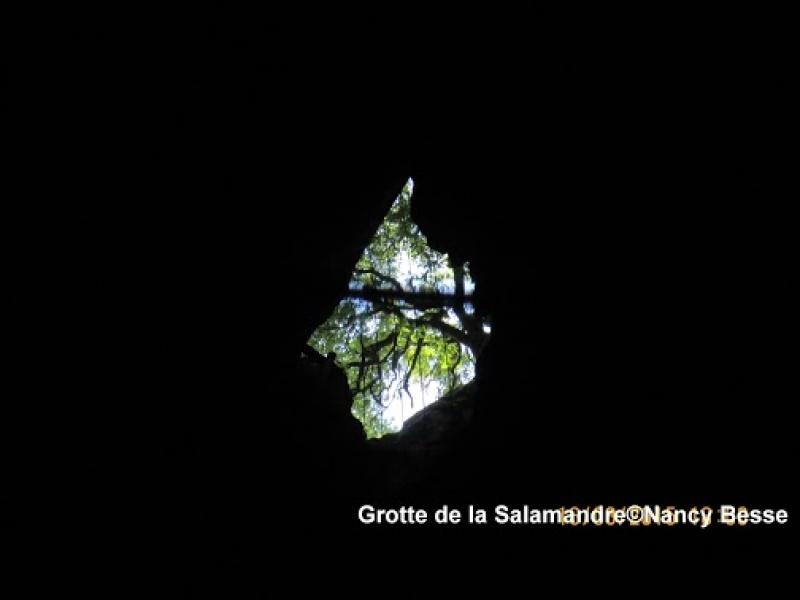 Orifice du trou de la grotte de la Salamandre