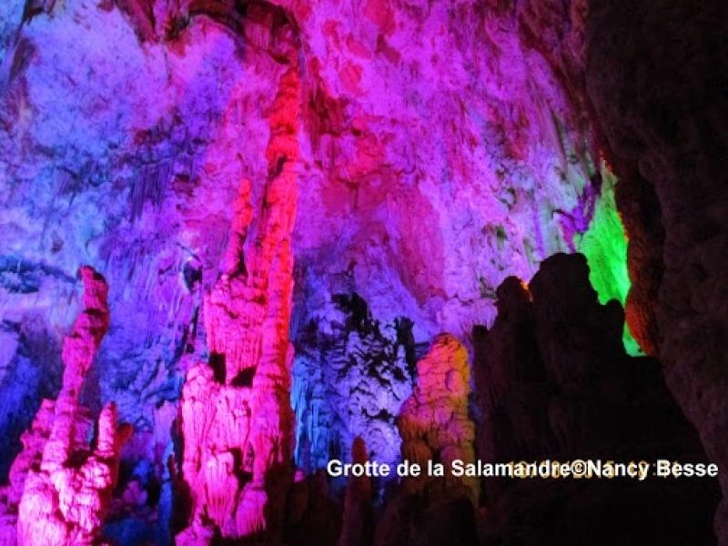 Décor somptueux dans la grotte de la Salamandre