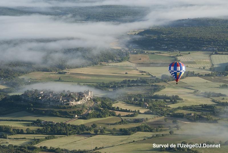 Survoler la campagne du Gard en montgolfière