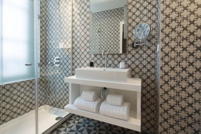 Déco salle de bain - L'hôtel L'Antoine à Paris