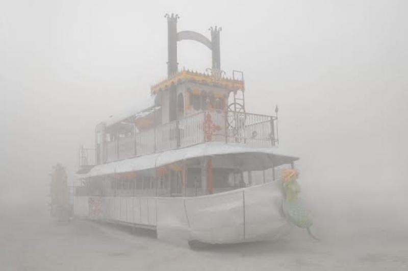 Un bateau échoué à Burning Man - Etats-Unis