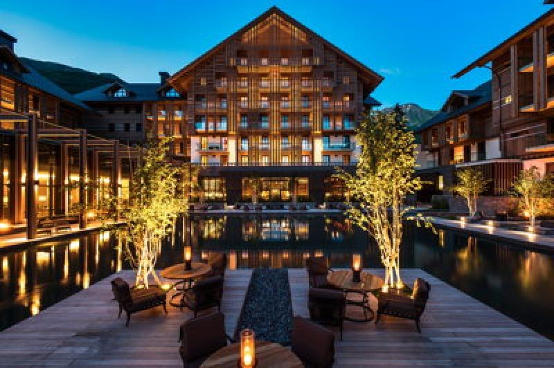 Terrasse extérieure - Chedi Andermatt Hôtel en Suisse
