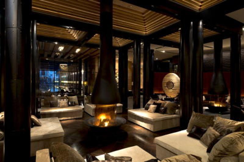Feu de cheminée - Chedi Andermatt Hôtel dans les Alpes Suisses