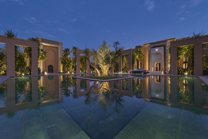 Jardin avec bassin au Mandarin Oriental
